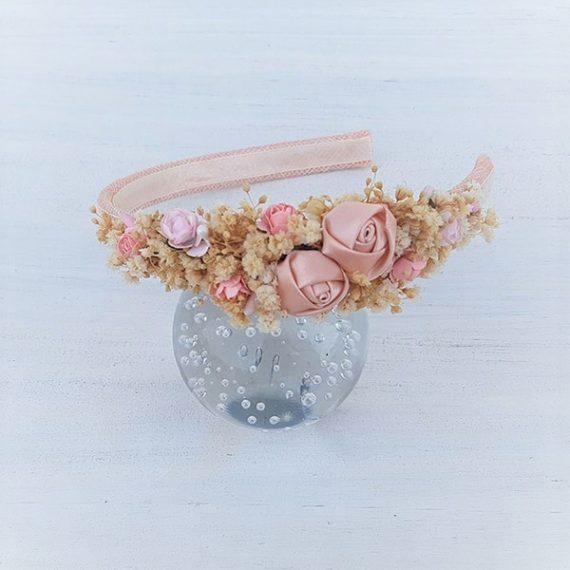 Diadema de niña con flores de tela,papel y flores secas.