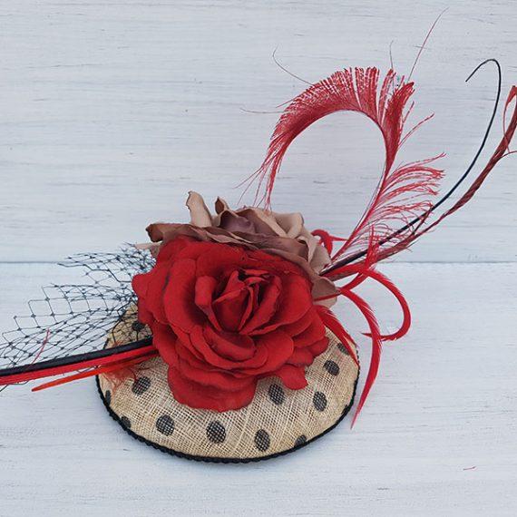 Tocado casquete de lunares y rosas