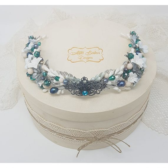 Corona-tiara de cristales y pistilos