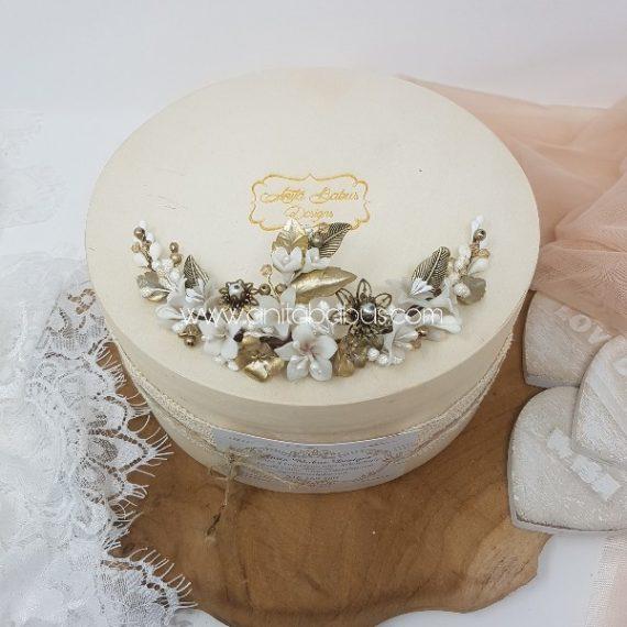 Tocado de novia dorado,blanco y perla