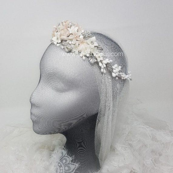 Corona de novia blanco,rosa y plata  con cristales de Swarovski